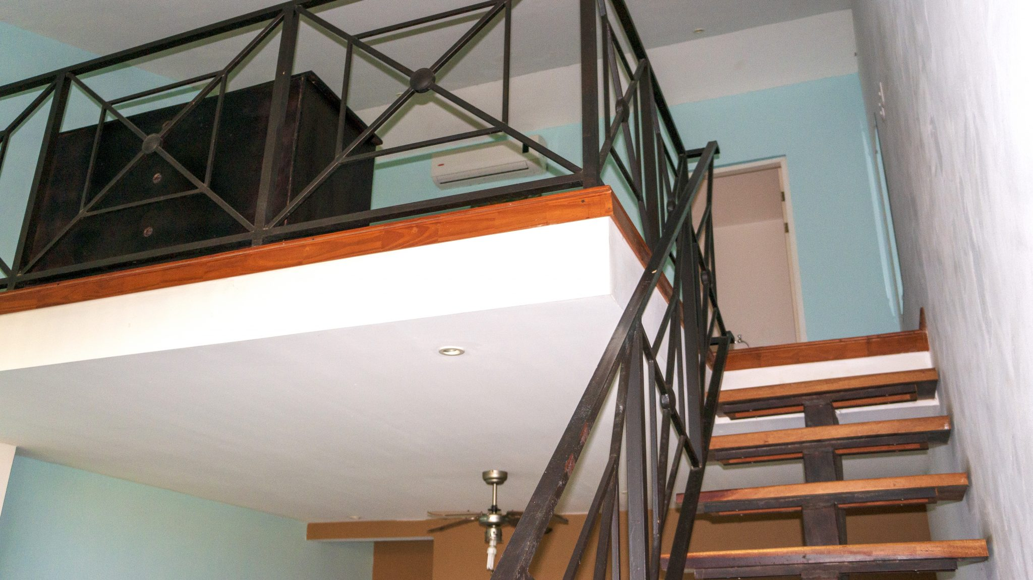 PL4 - Stairs to Loft Bedroom
