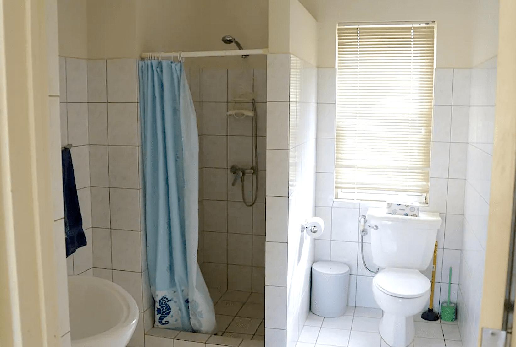 BL10 - Bathroom