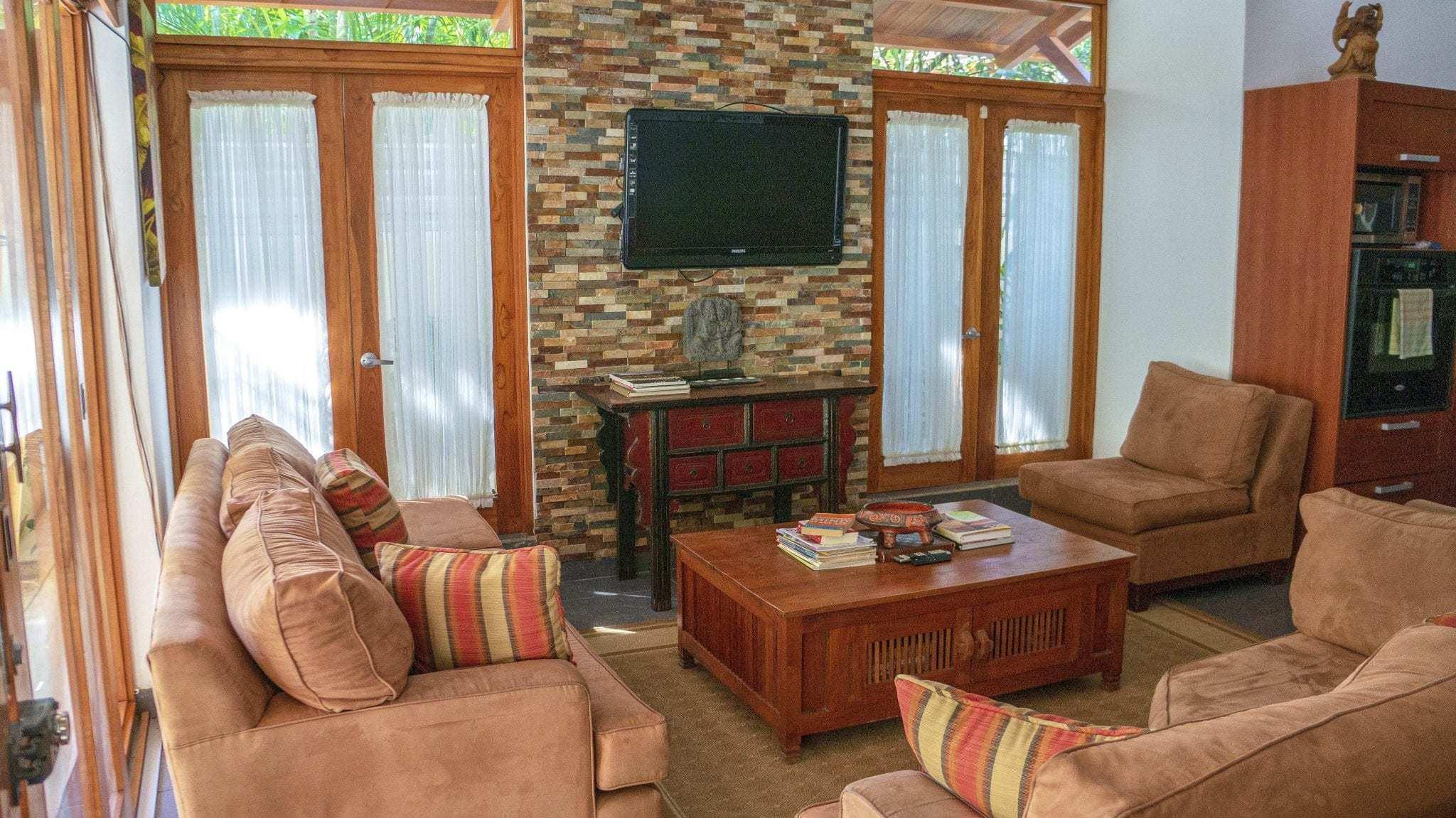 CW3 - Living Room + TV
