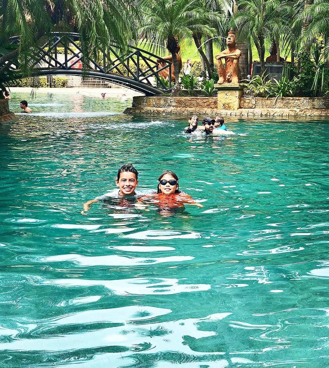 D Common - Pool