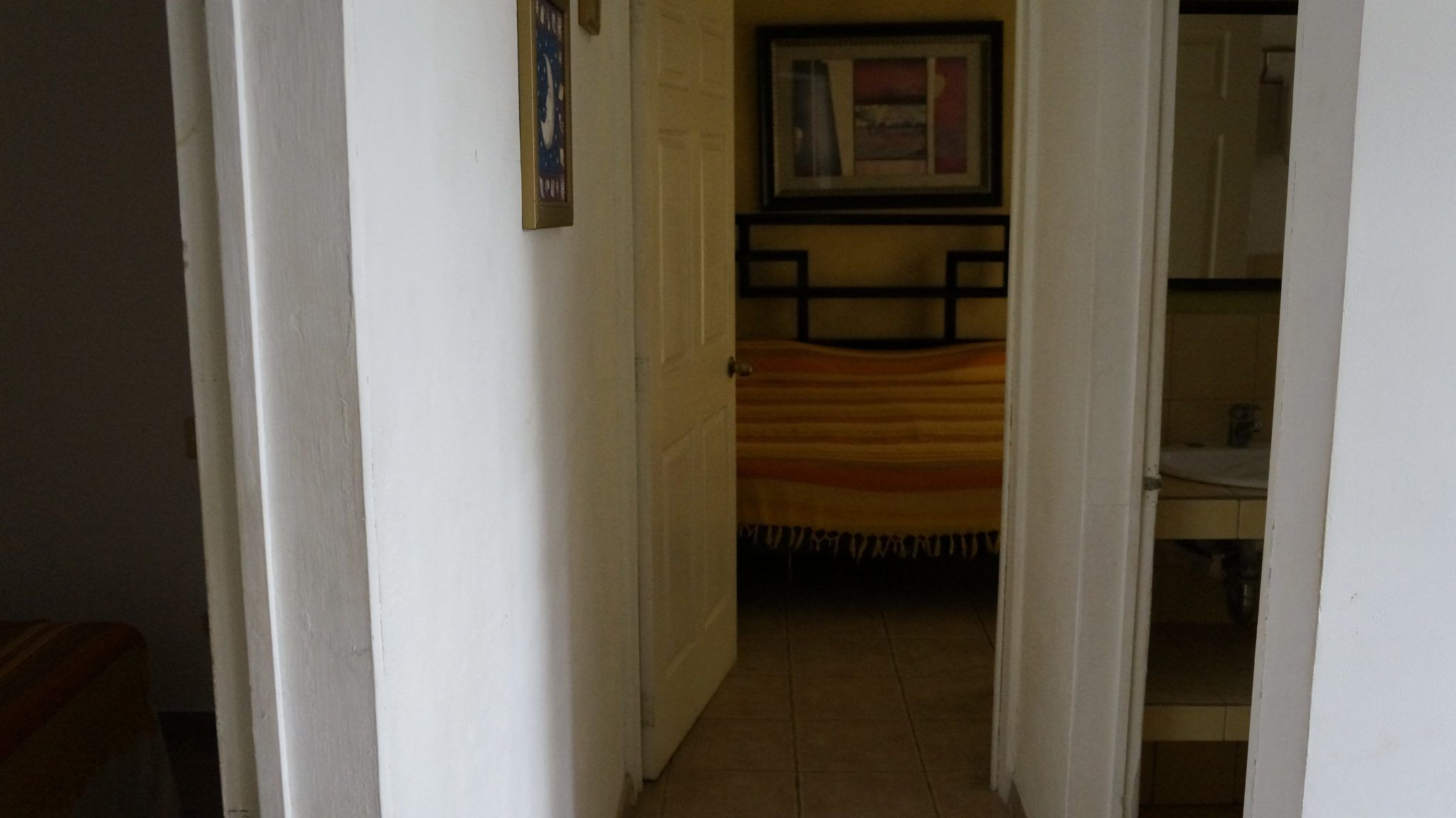 E14 - Hallway
