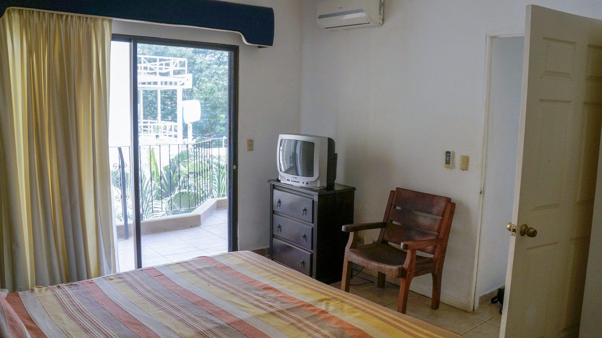 E14 - Bedroom