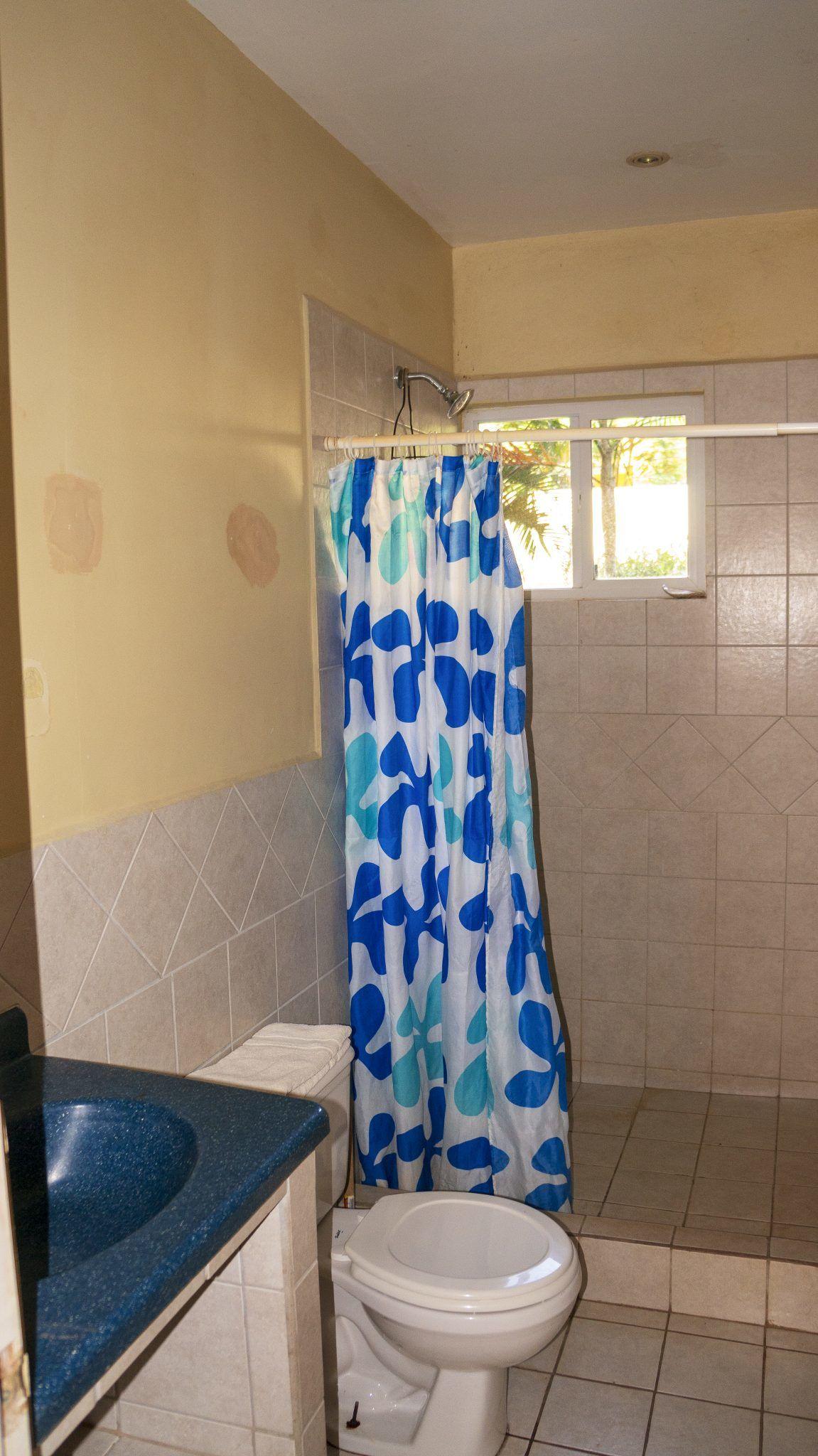 LC4 - Bathroom